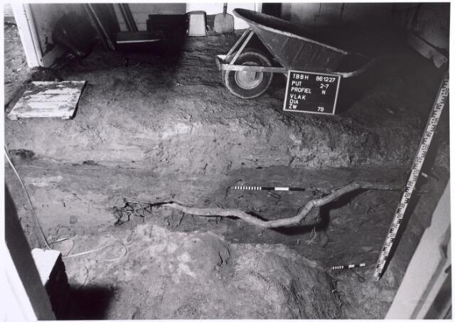 015755 - Archeologisch onderzoek in het pand Bokhamerstraat 13
