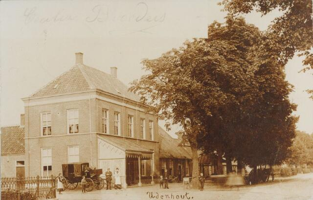 064216 - Hotel Sweens aan de Stationsstraat, later Kreitenmolenstraat, in Udenhout.
