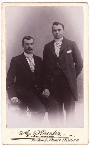 003504 - Joh. Lod. Maria (1870-1943) en Charles Jos. Maria de Beer (1876-1948), zonen van Norbertus de Beer (1831-1915) en Johanna Maria Huberta de Beer-Donders (1840-1909)