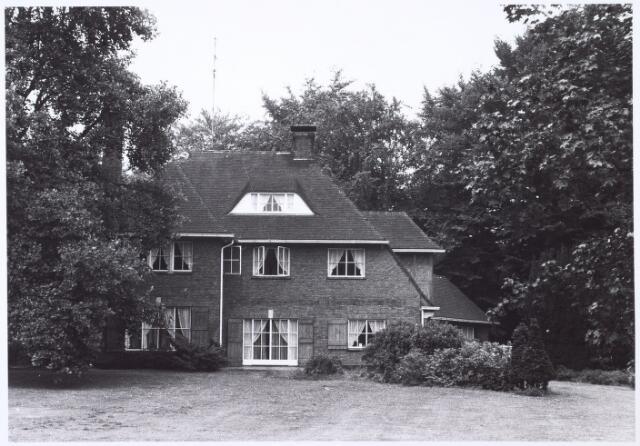 016293 - Achterzijde van een villa aan de Bredaseweg