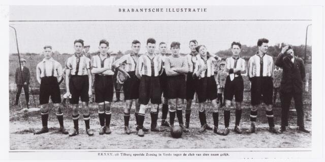 054220 - Sport. Voetbal. R.K.T.V.V. Foto van het elftal van R.K.T.V.V. voor de wedstrijd tegen Venlo. Deze wedstrijd, in het kader van de R.K. Voetbalbond, eindigde in een gelijkspel. De namen van de spelers zijn niet bekend.  Reproductie uit Brabantse Illustratie