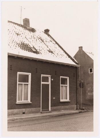 034454 - Lijnsheike 185; thans heet dit deel van de straat Von Weberstraat. De meeste huizen aan het Lijnsheike zijn inmiddels gesloopt.