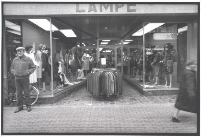 021952 - Modezaak Lampe in de Heuvelstraat