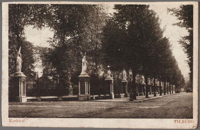 010361 - Bredaseweg met beeldengalerij rondom het kerkhof.
