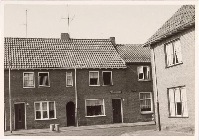 017439 - Van de Coulsterstraat (links) ter hoogte van de overgang naar de Slotstraat (rechts)