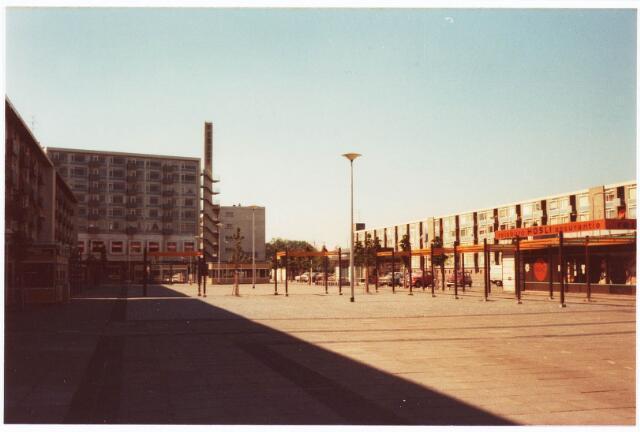 034596 - Westermarkt. Rechts Reisburo Hosli.