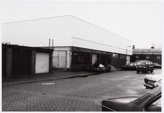 035188 - bedrijfspand aan de Willem Molengraaffstraat