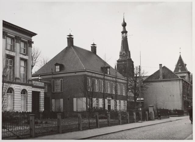 015255 - Pastorie van het Heike aan de Bisschop Zwijsenstraat