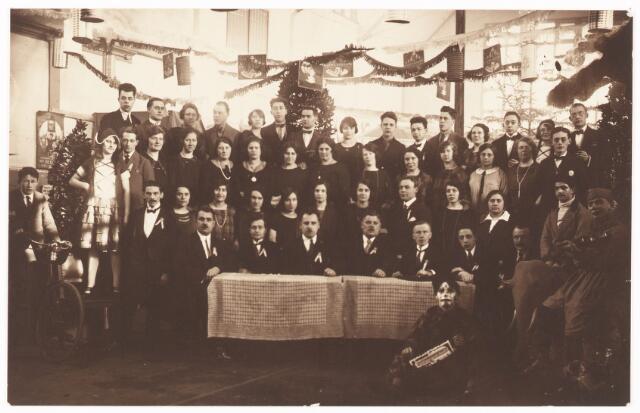 """052108 - Onderwijs. Katholieke  Studie en debatingclub """"Lumen et Veritas"""". Fancy Fair voor het Beursgebouw van 3 t/m 10 juni 1925."""
