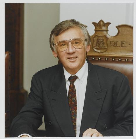 072289 - Portret van Peter van den Baar. Burgemeester van Goirle in de periode 1990 - 1997.