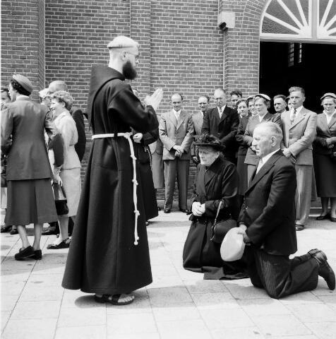 050232 - Priesterwijdingen, paters capucijnen.