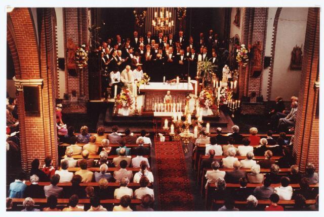 063541 - Op 5 mei 1983 werd in de parochiekerk van de H. Caecilia te Enschot het feest van St. Job bedevaart gevierd; thans een jaarlijks terugkomend evenement.