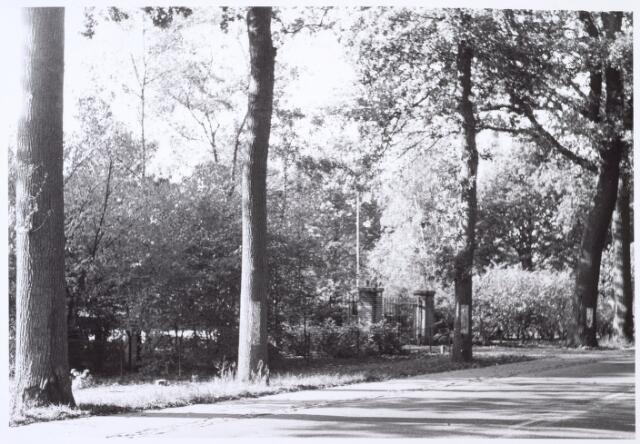 016458 - Ingang van het pand Bredaseweg 448