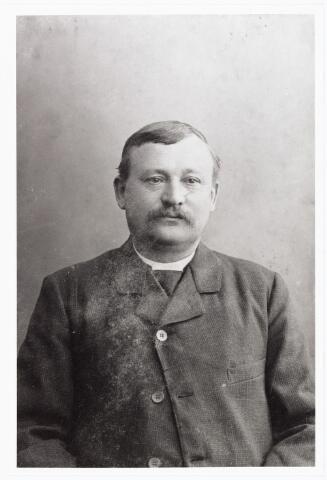 007959 - Jan Stalpers, woonde aan de Molenstraat geb. Tilburg 7-2-1823 aldaar overleden 8-5-1885. Hij trouwde Anna Maria van Hest. Zijn zoon Vincent was later herbergier aan de Molenstraat. (reproductie; origineel niet in collectie aanwezig)