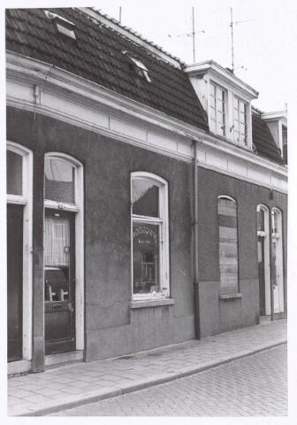 017217 - Pand Capucijnenstraat 24, waarin een horlogerie is gevestigd