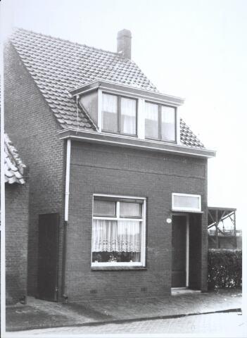 026723 - Pand Stokhasseltkerkstraat 23 begin 1965 dat moest verdwijnen in het kader van het uitbreidingsplan voor Tilburg-Noord. Tegenwoordig is dit de Mozartlaan