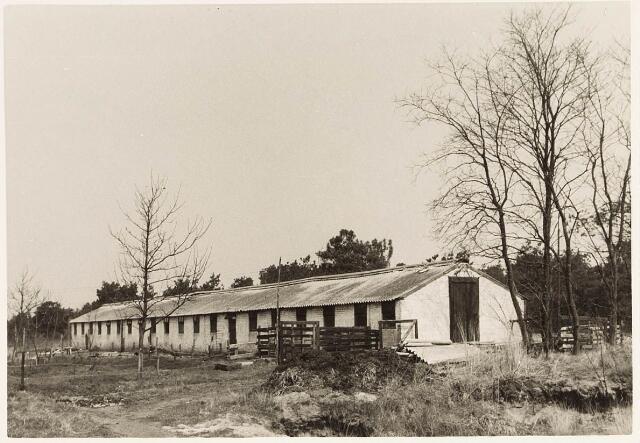 032970 - Kippenhokken behorende bij de proefboerderij aan de Oude Loonsebaan.