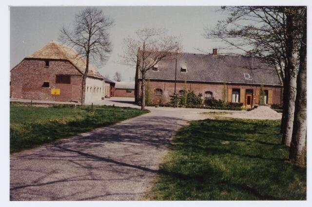 062797 - Landbouw. Boerderij aan de Laag Heukelomseweg