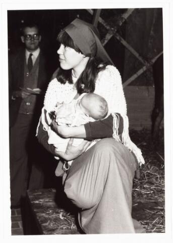009046 - Driekoningenzingen (1982) Maria: Emilie Vogel-Meyer met haar dochter Shirley.
