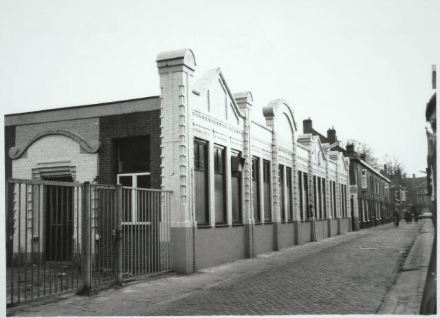 031222 - Winkel voor damesconfectie DOREFA aan het Smidspad. Voorheen zat hier de Wasserij Texena, Van Erp.