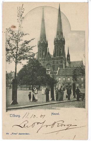 000883 - Heuvel met lindeboom, kerk St. Jozef en pastorie.