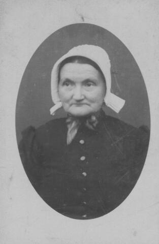 065915 - Jacoba Borstlap geboren 's Gravenmoer 18 mei 1839,  overleden 's Gravenmoer 28 februari 1919, echtgenote van Cornelis Melsen. Dochter van Pieter Borstlap en Barbera Johanna van Eersel.