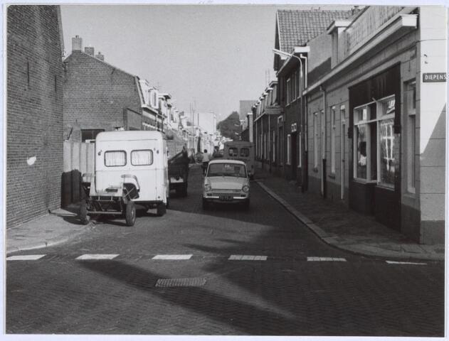 026371 - Meelstraat gezien vanuit de Diepenstraat.
