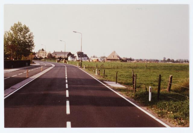 062441 - Zicht vanaf de Berkelseweg op woningen aan de Moleakker