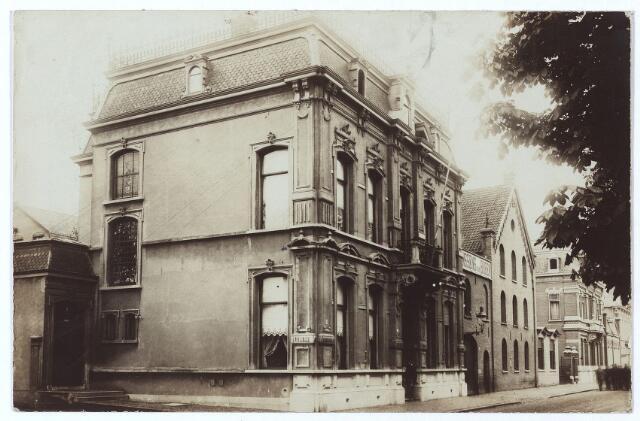 000454 - Gasthuisstraat, bedrijfsgebouwen firma Janssens van Buren.