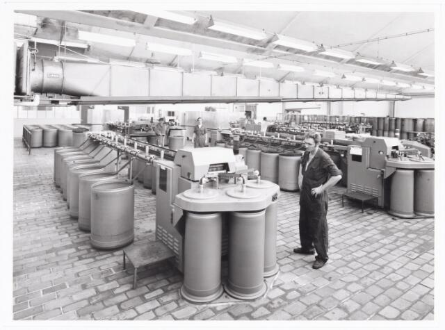 038076 - Textielindustrie. Interieur van de N.V. Spinnerij Swagemakers - Bogaerts, afdeling kamgarenspinnerij