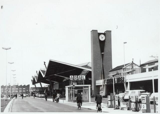 032042 - Spoorwegen: Station aan de Spoorlaan
