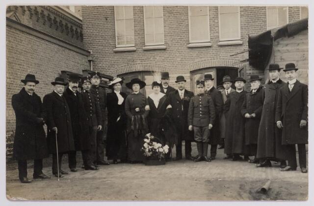 042303 - Eerste Wereldoorlog. Belgische vluchtelingen. Bestuursleden van het Tilburgsch Vluchtelingencomité