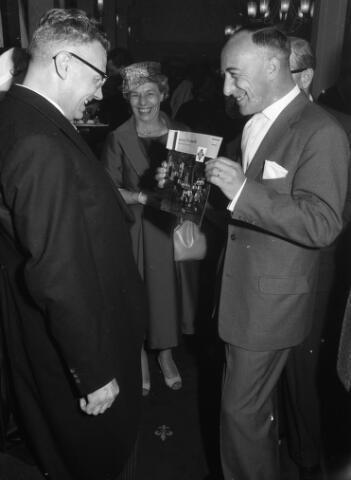 050784 - 25-jaar bij de (KAB) gehuldigd als voorzitter P.J.Vriens.