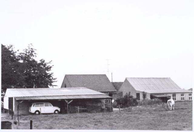 017845 - Achterzijde van een boererij aan de Boogstraat (thans Dr. Hub. van Doorneweg) anno 1968