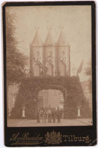 031505 - Feestelijke  ereboog ter ere van de voltooiing van de Heuvelse kerk en consecratie op 3 juli1889: