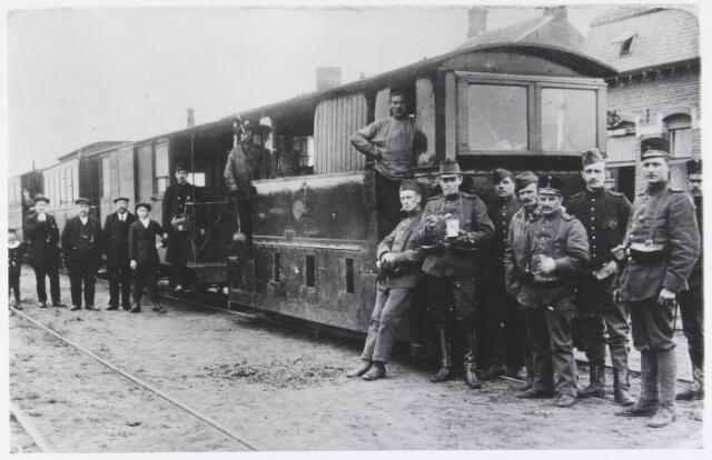 055868 - Openbaar vervoer. Stoomtrein op het Emplacement in Esbeek, waar het douanekantoor was