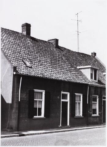 034438 - Lijnsheike 155; thans heet dit deel van de straat Von Weberstraat. De meeste huizen aan het Lijnsheike zijn inmiddels gesloopt.