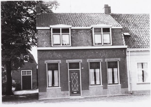 034448 - Lijnsheike 173; thans heet dit deel van de straat Von Weberstraat. De meeste huizen aan het Lijnsheike zijn inmiddels gesloopt.