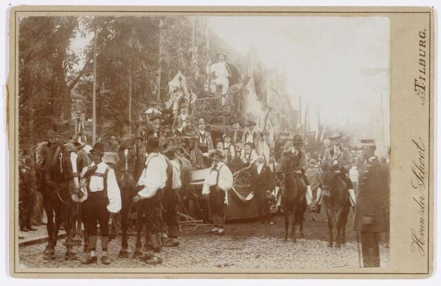 048871 - Bij gelegenheid van het 50-jarig bestaan in 1893 van de Nieuwe Koninklijke Harmonie werd een grote optocht door het centrum van Tilburg georganiseerd. Praalwagen 19b De Bergzangers.