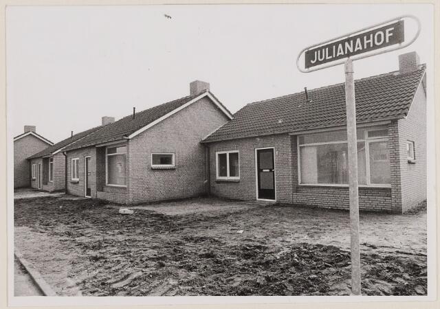084470 - Woningen. Bejaardenwoningen in aanbouw