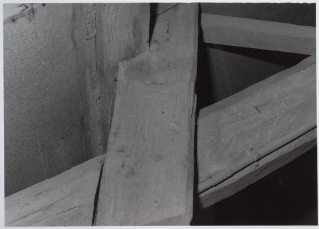 026558 - Balkconstructie in het pand Molenstraat 1 - 3