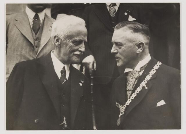 075522 - Het 12 1/2 jarig ambtsjubileum van burgemmeester J. Verwiel op 1 juli 1934.