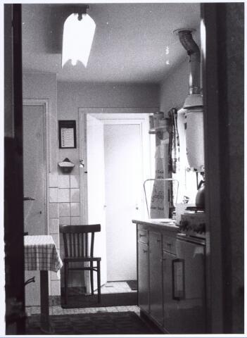 017153 - Keuken van het pand Capucijnenstraat 145 halverwege 1970