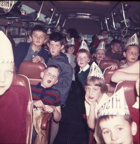 650158 - Gerardus Majellaschool, Hulten. Schoolreisje Nijmegen, rond 1970.