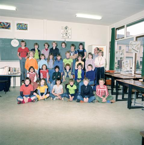 870065 - Klassenfoto. OBS Westerkim, Dongen
