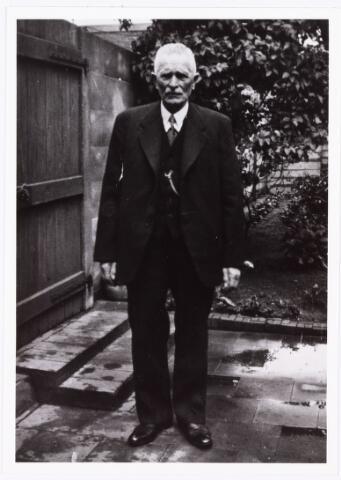 007600 - Bokhamerstraat 31 ca 1938. Adrianus Gregorius van Pelt geboren Tilburg 27-1-1864. Gehuwd 25-4-1888 met Helena van Abeelen.