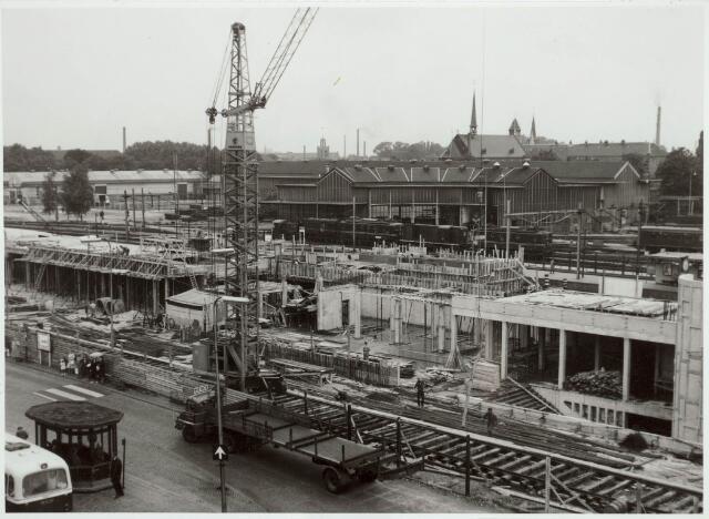 031944 - Spoorwegen: Bouw nieuw station aan de Spoorlaan