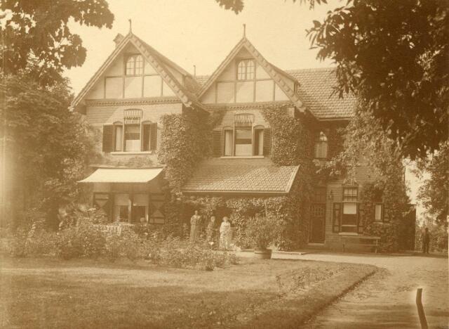 600584 - Villa Castellanie (1900), bij Kasteel Loon op Zand.