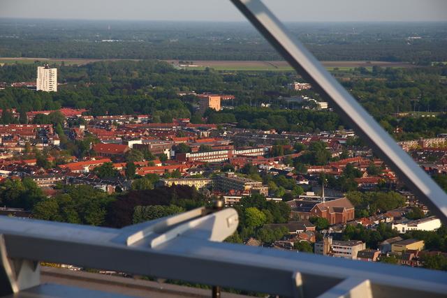 656623 - Straatbeeld Tilburg 2011. Uitzicht vanuit Westpoint.