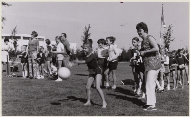 101392 - Sport. Gymnastiek. Sport- en spelmiddag van Excelsior - Wilskracht.
